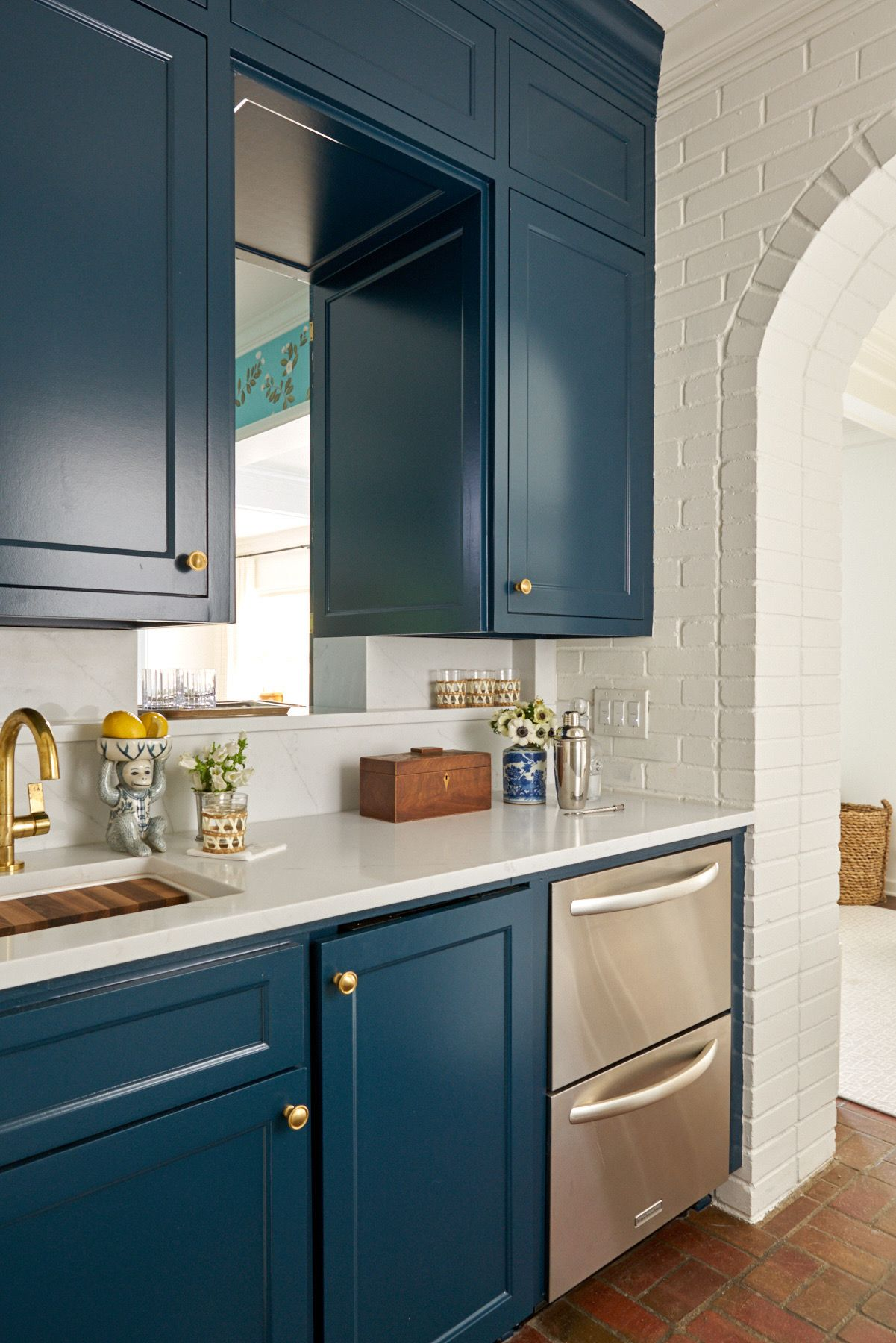 Pretty Traditional Rooms From Amy Berry In 2020 Teal Kitchen Cabinets Teal Kitchen White Marble Countertops