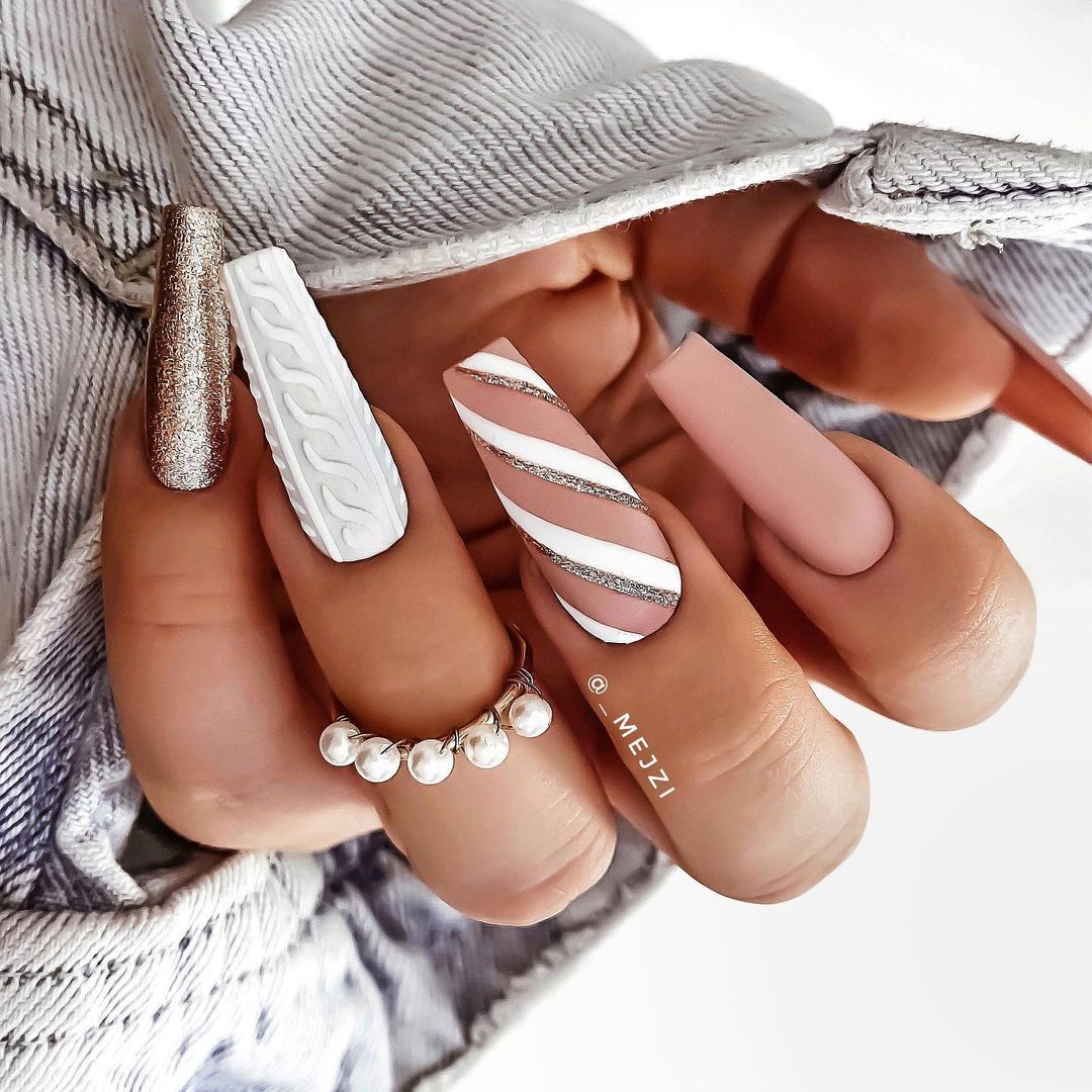 30 Christmas Nail Art Ideas Which Are Ideal For th