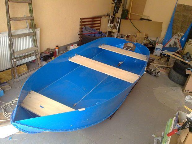Construction Folding Boats From Polypropylene Sheet Folding Boat Boat Building Boat Building Plans