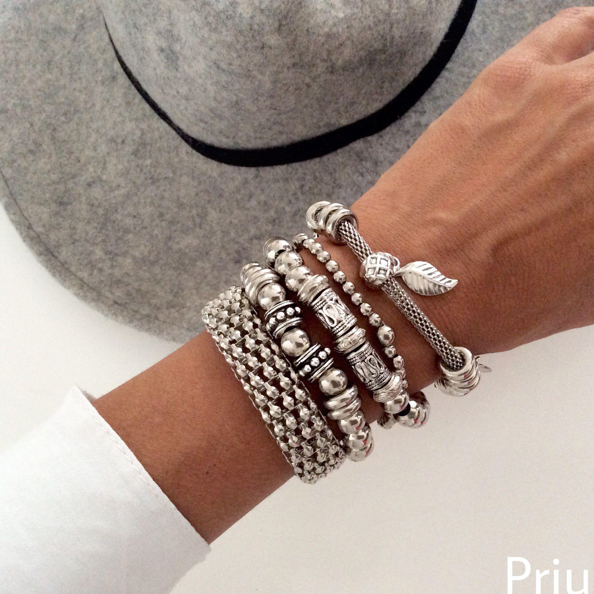 #style #women #pulseras #brazaletes #priuaccesorioss #argentina  @priu.accesorios #brazalet #pulseras #women #chic #brazalete #style #bijouterie #bijou #fashion #bohochic #good #bijoux #necklace #piedras #2016