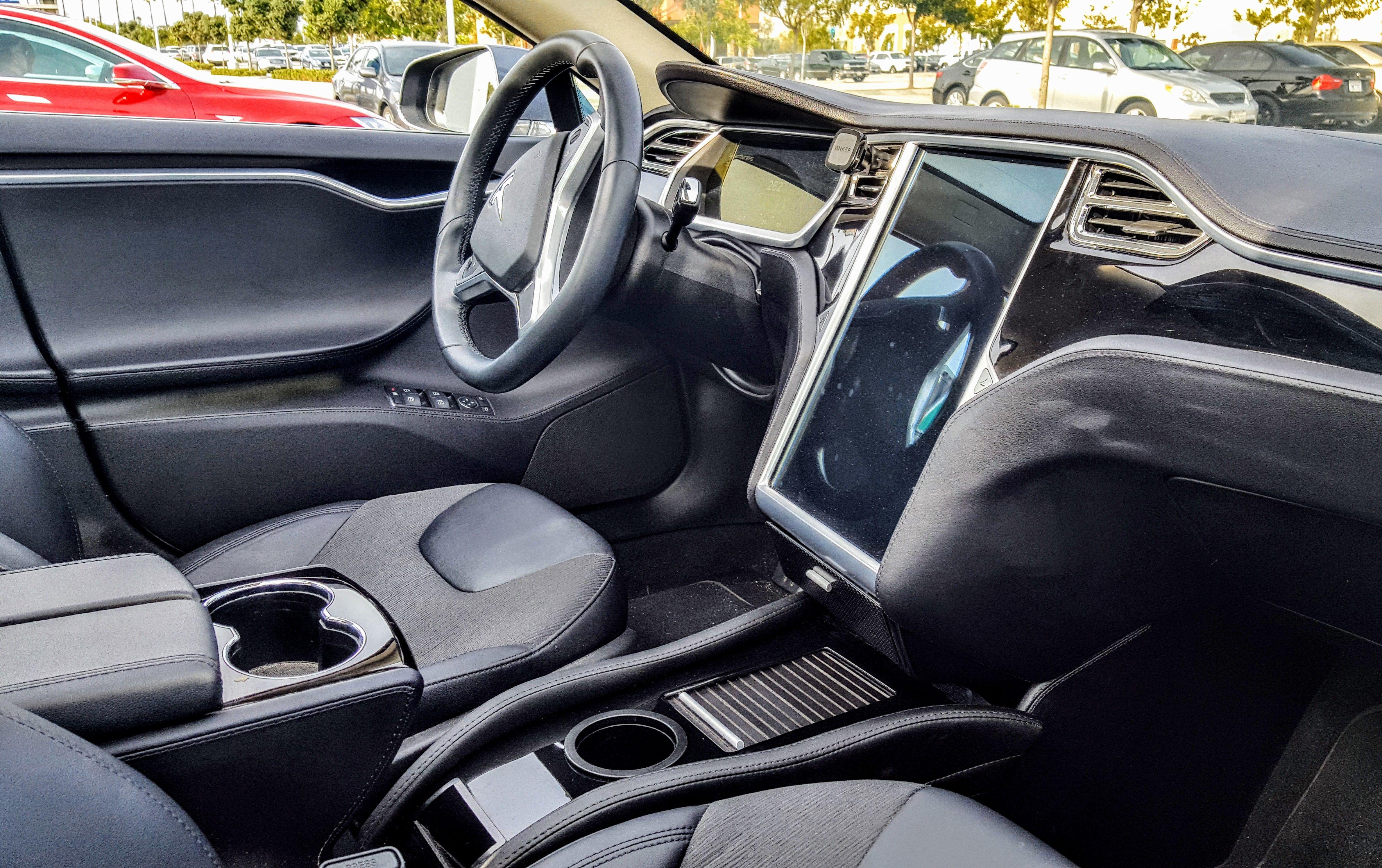 The Ev Annex Tesla Model S Center Console Insert Cleantechnica Review Tesla Model S Tesla Model Tesla