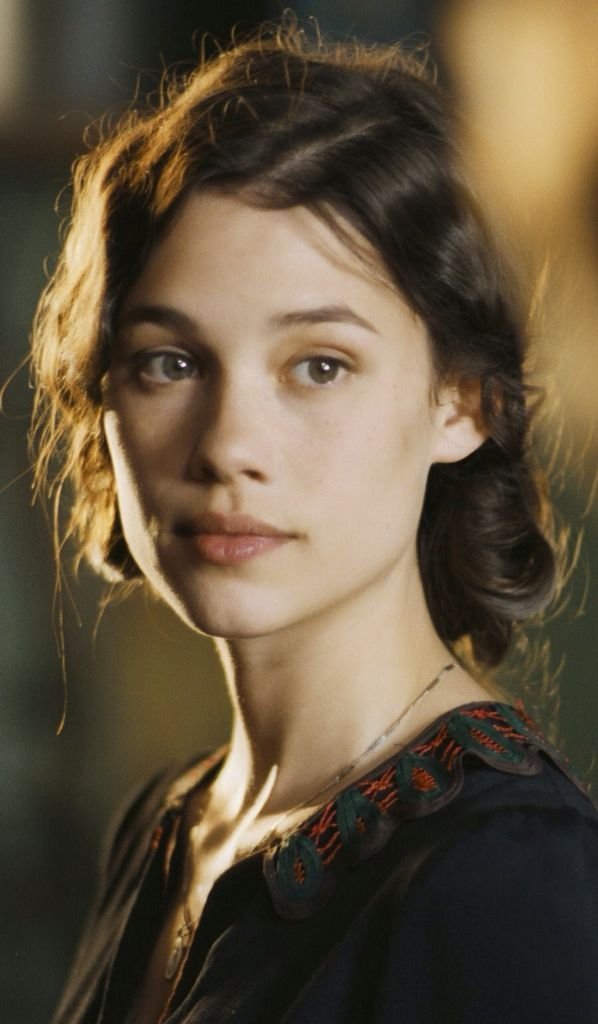 Image result for astrid berges-frisbey tessa gray