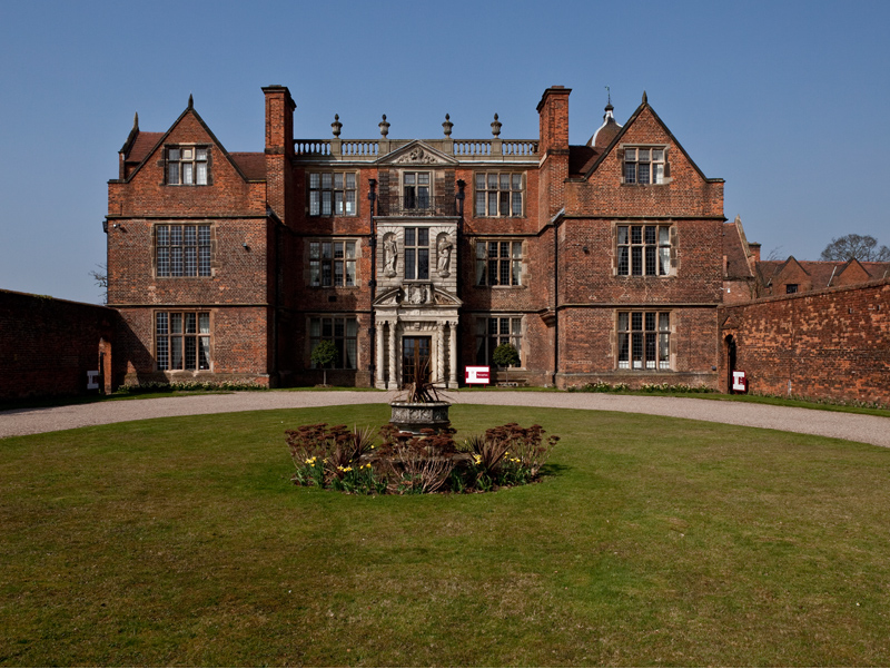 Castle Bromwich Hall Hotel Is A Perfect Wedding Venue In Birmingham West Midlands