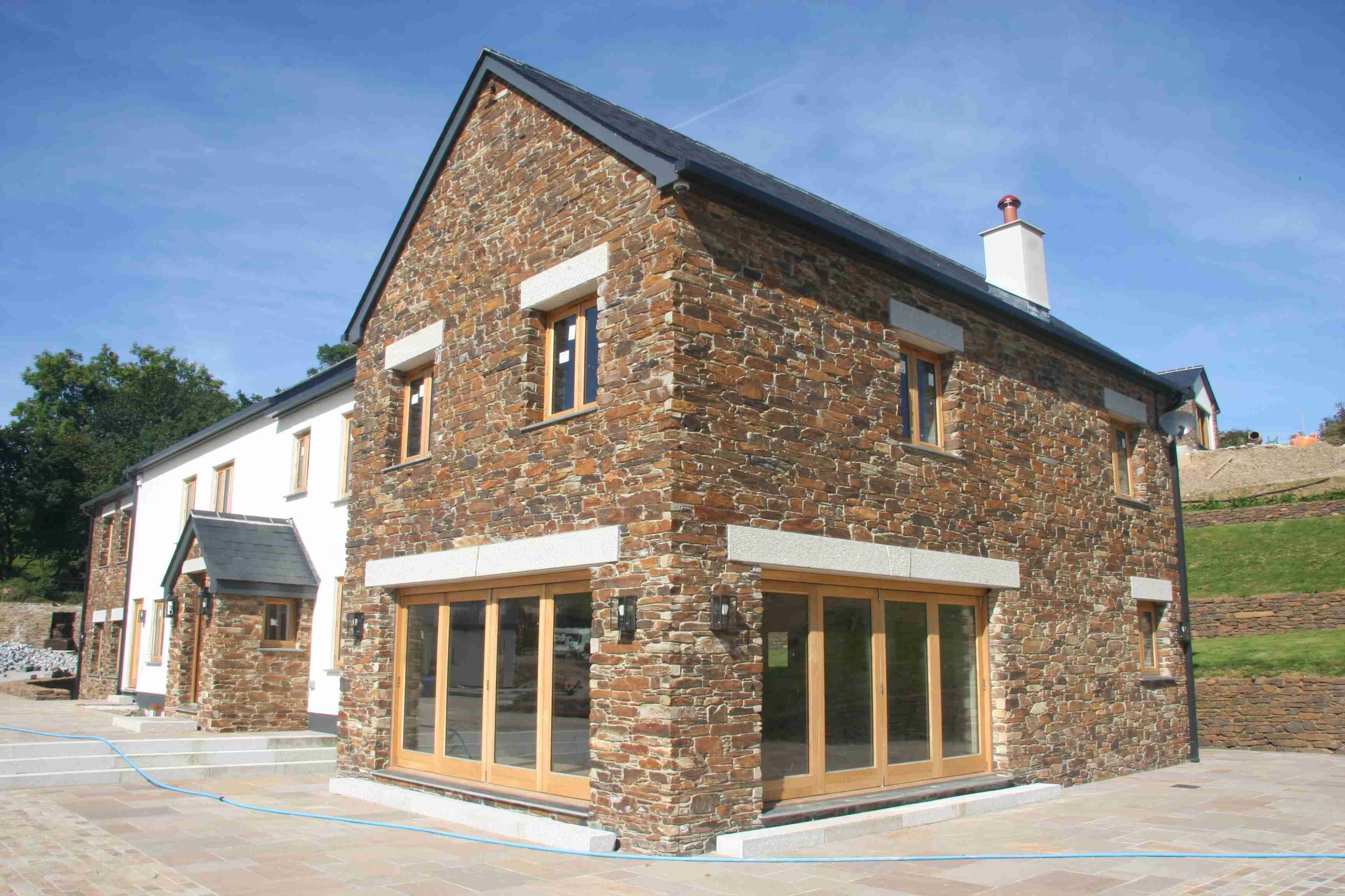 Stone Wall House : Lantoom supplied the stone for construction of internal