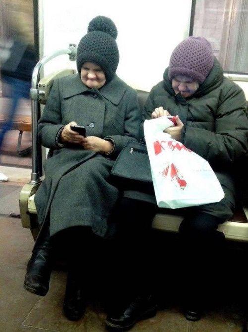 T'es plutôt Facebook ou Twitter ? | Humour actualité, Images drôles, Humour