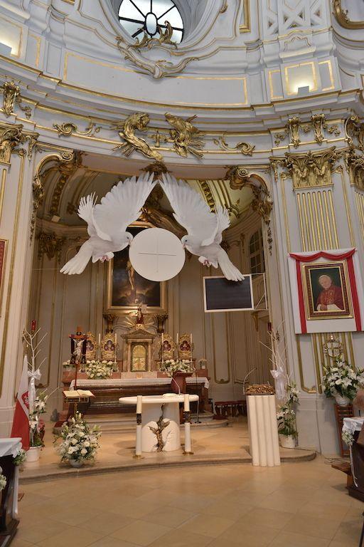 Dekoracja ko cio a na i komuni adornos pinterest - Decoracion en cortinas ...