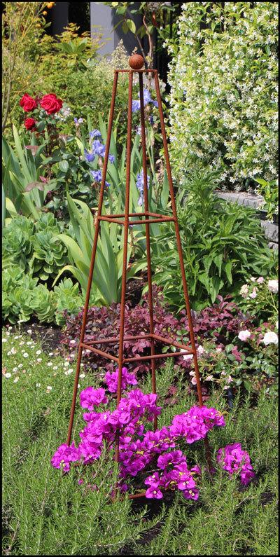 Corten Steel Obelisk Frame Garden frame, Garden arches