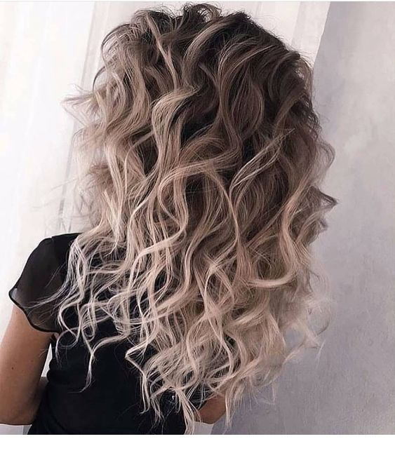 Ash Platinum Blonde Curly Miladies Net With Images Brunette Hair Color Hair Color Balayage Hair Looks