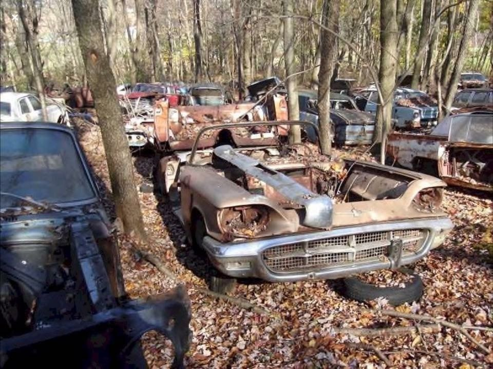A retired 1960 conv\'t | Old Cool Cars | Pinterest | Abandoned cars ...
