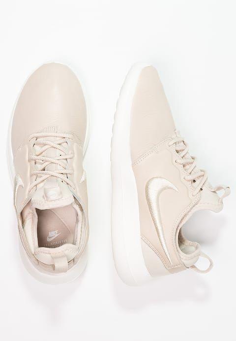 9f26d1df54e5 Nike Sportswear ROSHE TWO SI - Sneaker low - oatmeal ivory für 119 ...