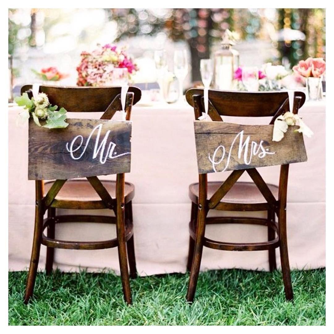 Mr & Mrs chair signage! How sweet!  @melbourneweddinginspiration #Alamango #Bridal #Textiles #Wedding #AlamangoBridal #AlamangoTextiles #Malta #LoveMalta #Bridesmaid #WeddingDress