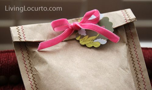 Sew a brown paper gift bag.