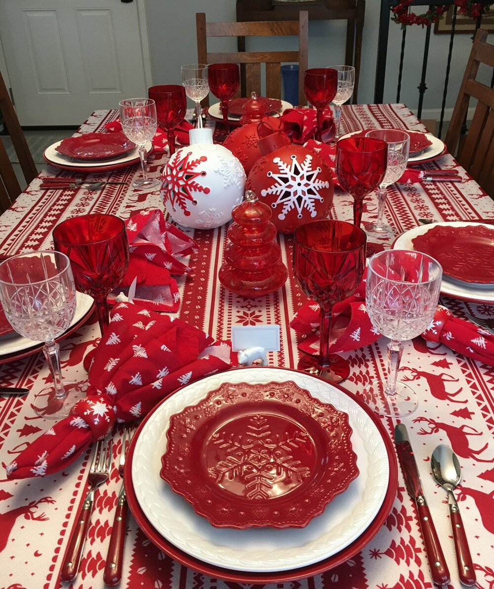 A Red And White Christmastime Table Red Centerpieces Christmas Table Cloth Christmas Table Settings