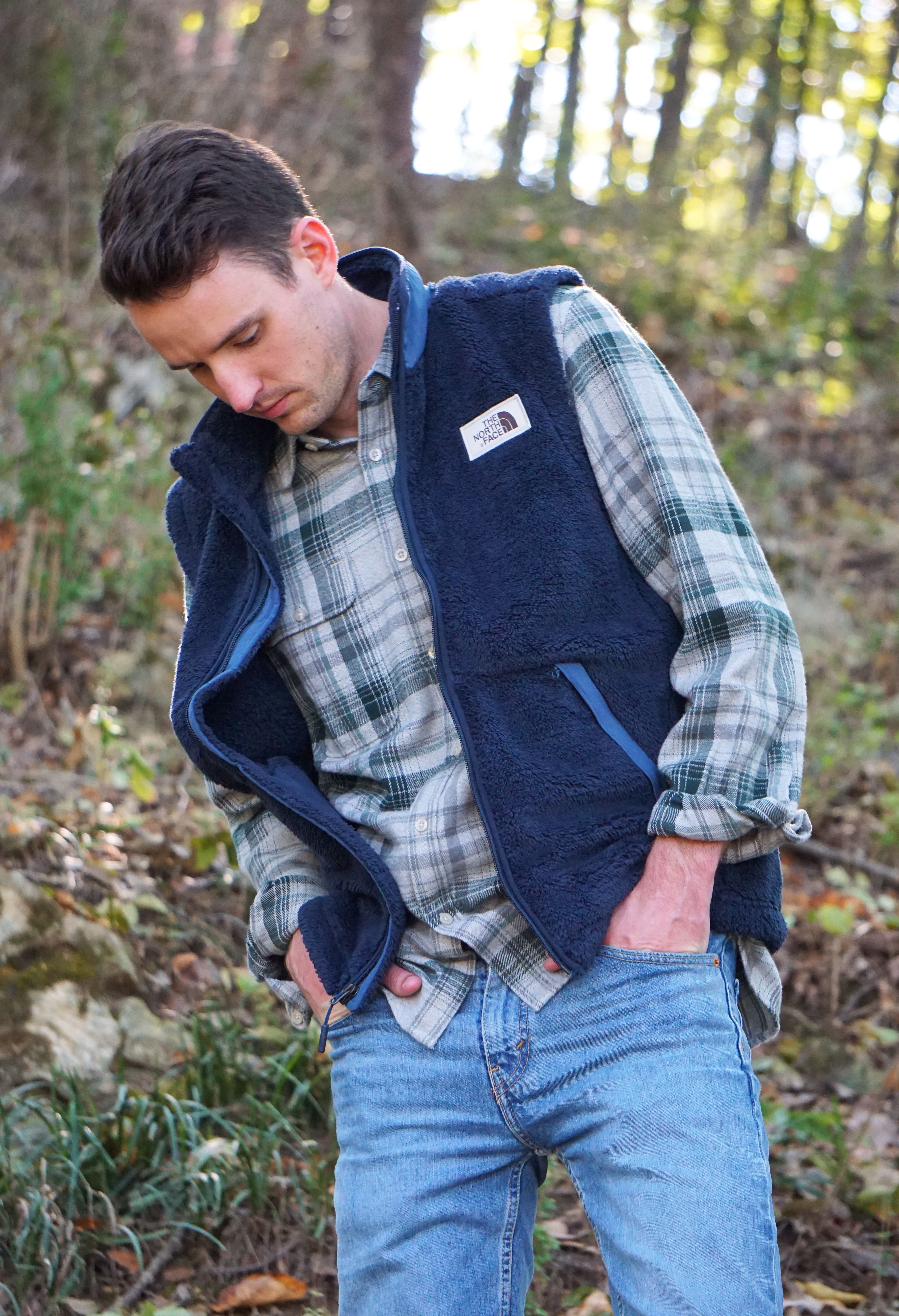 5575cbb34 The North Face Men's Campshire Vest provides warmth and comfort ...