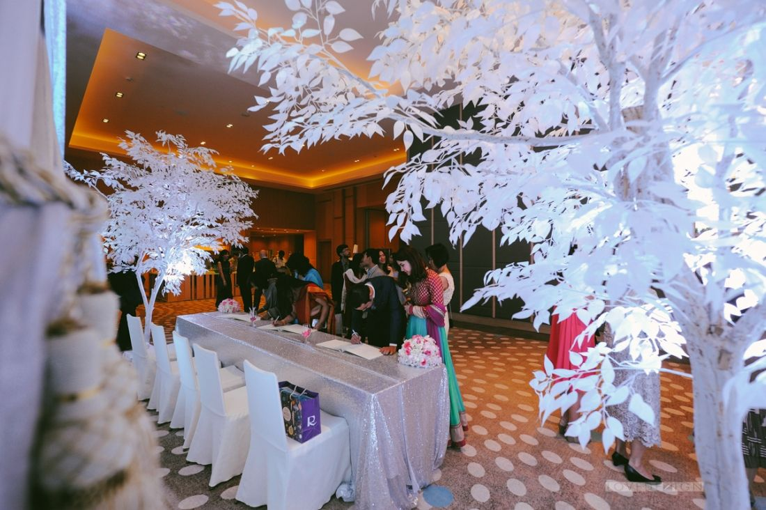 Indian wedding decoration at anantara bangkok riverside indian wedding decoration at anantara bangkok riverside lovedezign photography thailand wedding photographer junglespirit Gallery