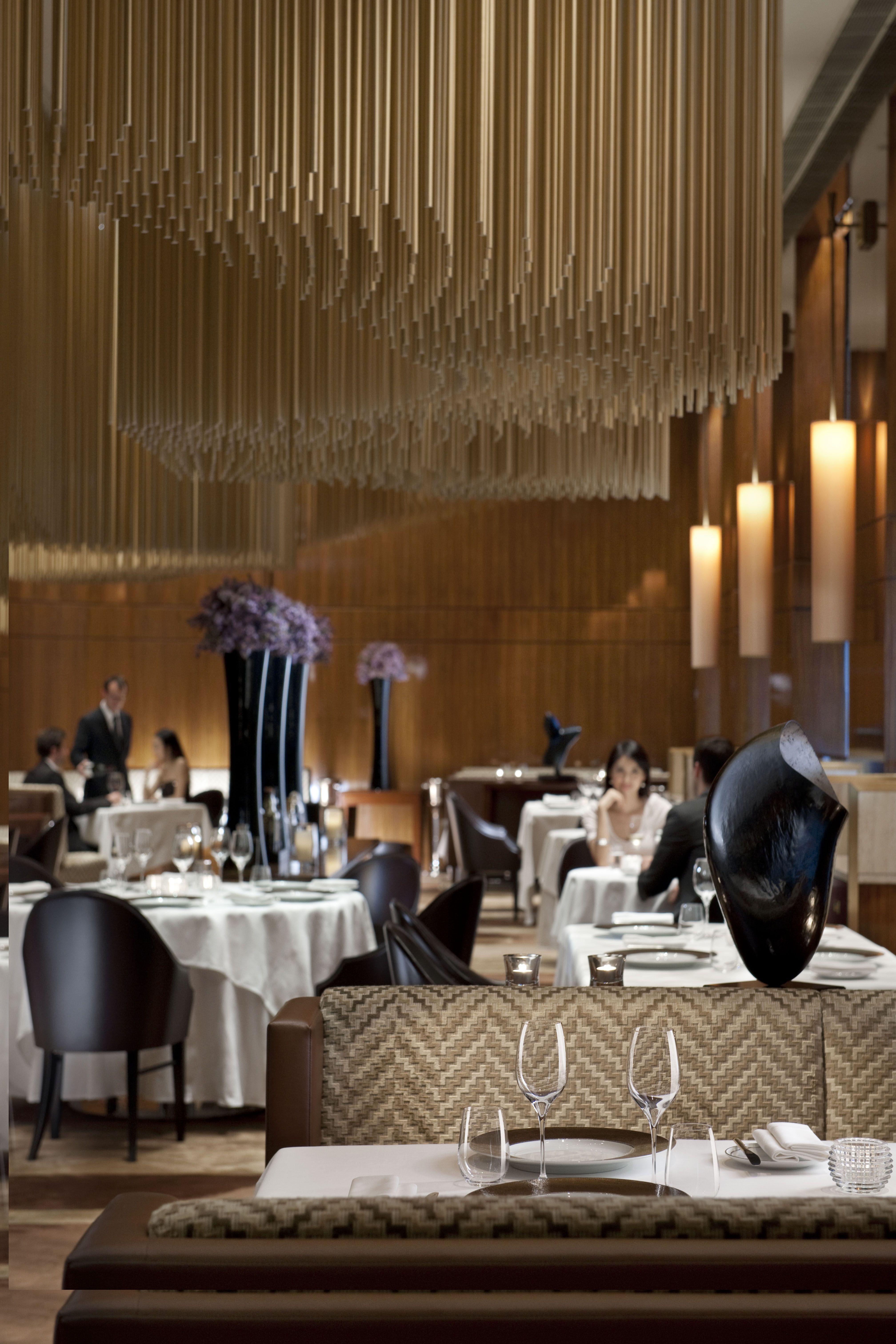 Amber the landmark mandarin oriental hong kong lighting pinterest mandarin oriental - Hotel mandarin restaurante ...