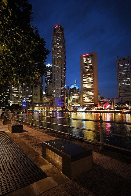 Promenade By The Singapore River With Images Singapore River