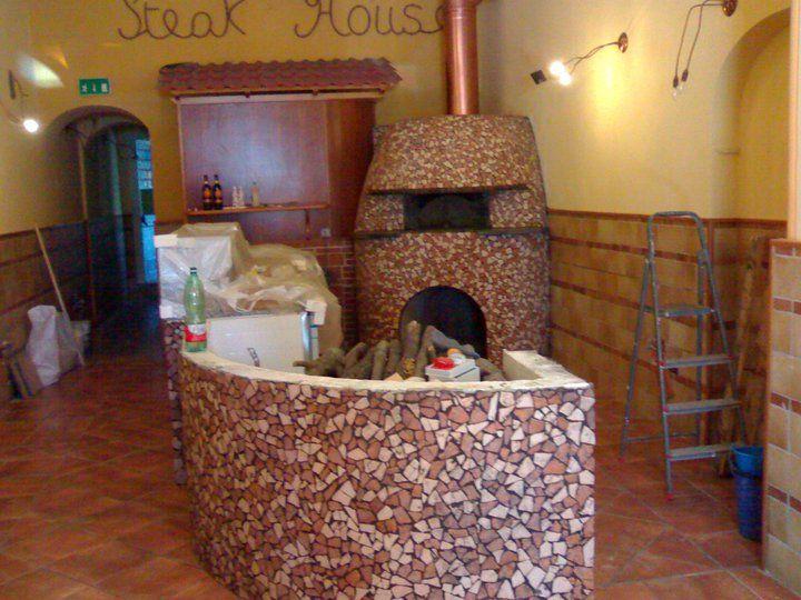 Stefano Ferrara Forni Napoletani   Cooking pizza, Wood ...