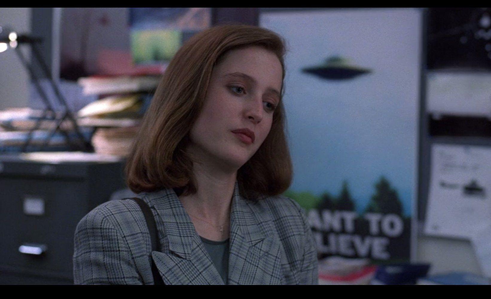 The X Files Pilot Tv Episode 1993 On Imdb Movies Tv Celebs And More X Files Tv Episodes Pilot