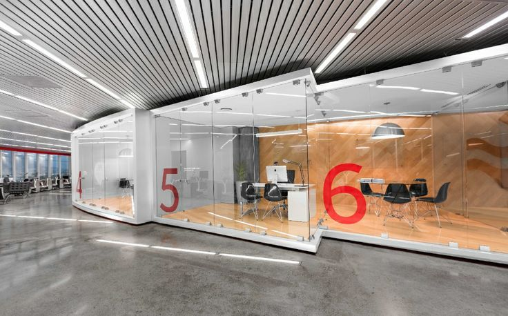 Creative modern office interior design http for Modern corporate office design