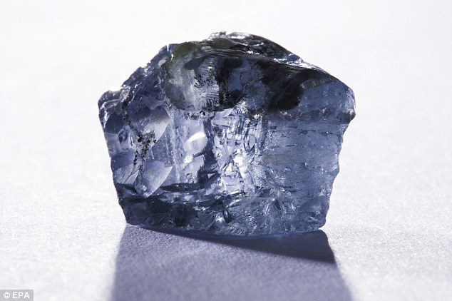 Rare Blue Diamond Found In South African Mine Could Break Records Blue Diamond Rare Diamonds Diamond Image