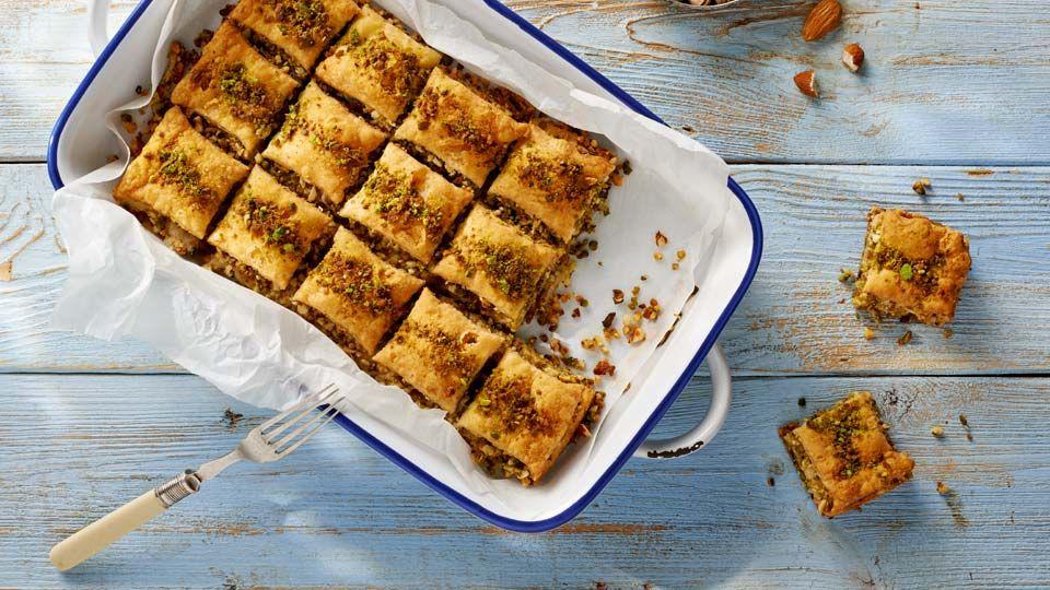 Baklawa Grecka Przepis Recipe Food Baklava Desserts