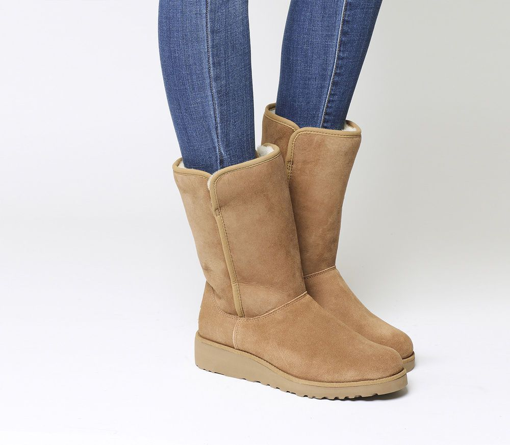 9af68f1696be0 WOMENS UGG AUSTRALIA BOOT Amie Classic Slim Water Resistant Short Chestnut  9.5 M  UGGAustralia  WinterBoots