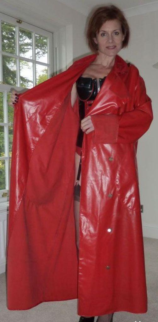 What's hiding under her raincoat? :) | Rainwear | Rubber raincoats
