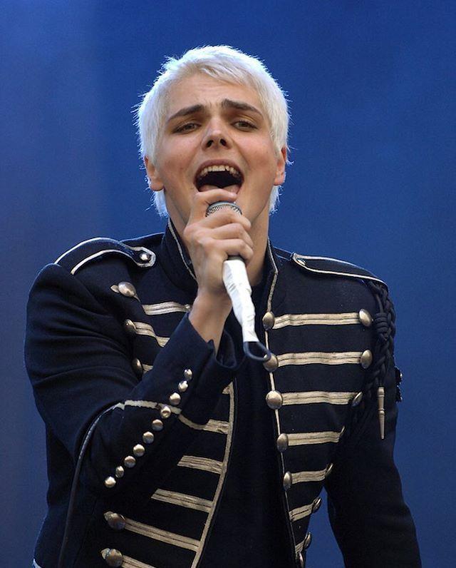 Gerard Way Panic At The Disco Lyrics My Chemical Romance Gerard Way