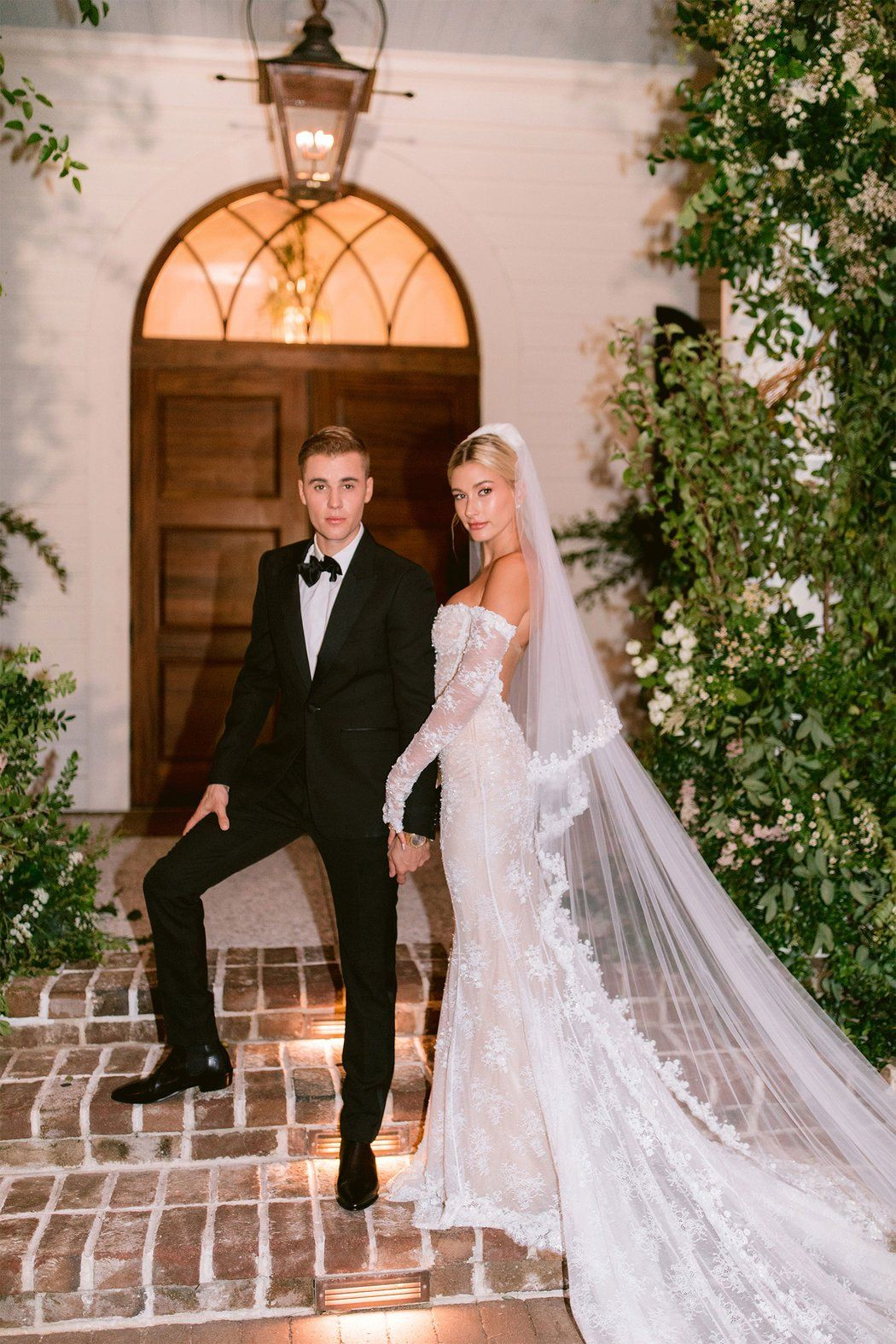 Take A Look Inside Hailey Baldwin And Justin Bieber S Whimsical Wedding Reception Celebrity Wedding Dresses Celebrity Weddings Wedding Dresses