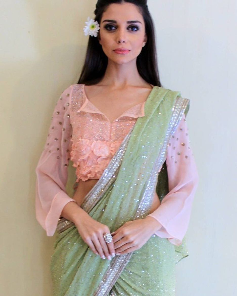 79a6c6ed02a9ff ... pink silk saree with designer yet traditional blouse love for jumka nd  indian root never ends also pooja rane aashuzangel on pinterest rh. Sari  blouse ...