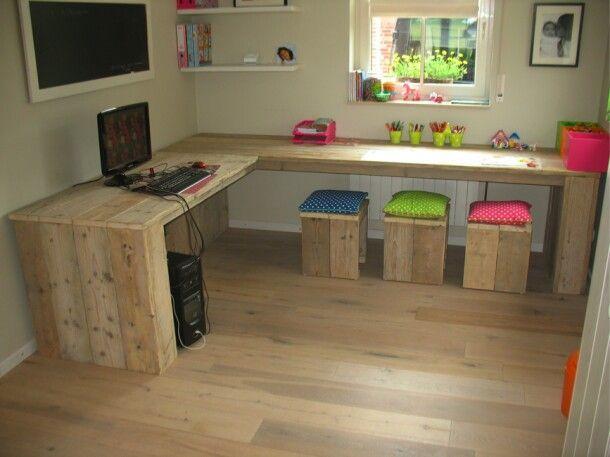 escritorio con palets