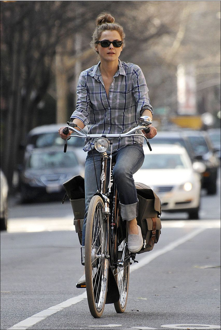 Keri Russell Loves To Ride Her Bicycle In Nyc Celebrities