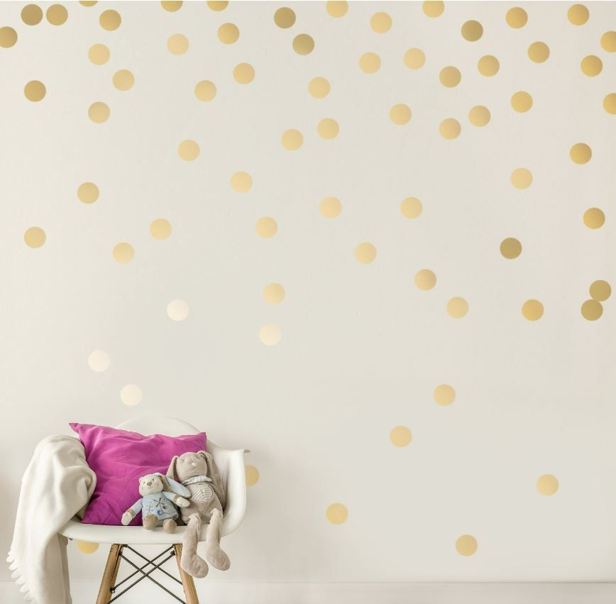 50 Cute Dorm Room Ideas That You Need To Copy Polka Dot Walls