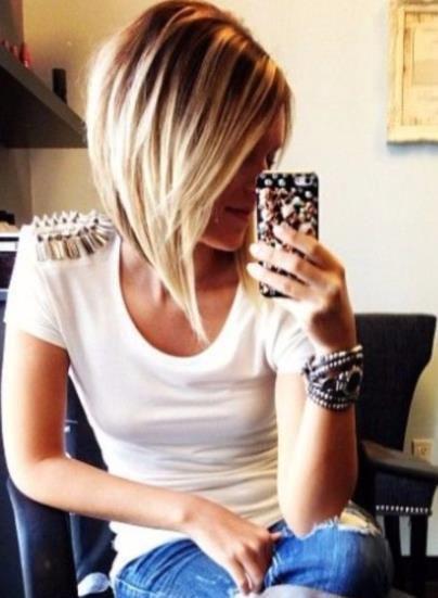 30 Μοντέρνα κουρέματα για μαλλιά μεσαίου μήκους! en 2020   Carré plongeant blond, Coiffure carré ...