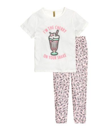 4d6dbd7dd4f67 Pajamas in soft cotton jersey. Short-sleeved top with printed motif at  front. Pants with printed pattern and elasticized waistband.