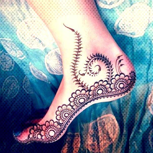 Tattooed model and fashion blogger Sammi Jefcoate - Tattooed models - Top 50 Henna Tattoo-Designs