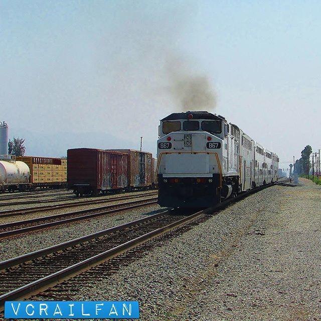 867 pushes 112 South #metrolink #scax #f59ph #emd #scax867 #railroadphotography #train #trains #railfan #railfanning #railfannation #arailfanslife #wearerailfans #rsa_theyards #prf_shots #locos_of_america #north_american_rail_pictures #daily_crossing #pocket_rail #trb_express #trb_members1 #railroads_of_america #train_nerds #trains_worldwide by vcrailfan
