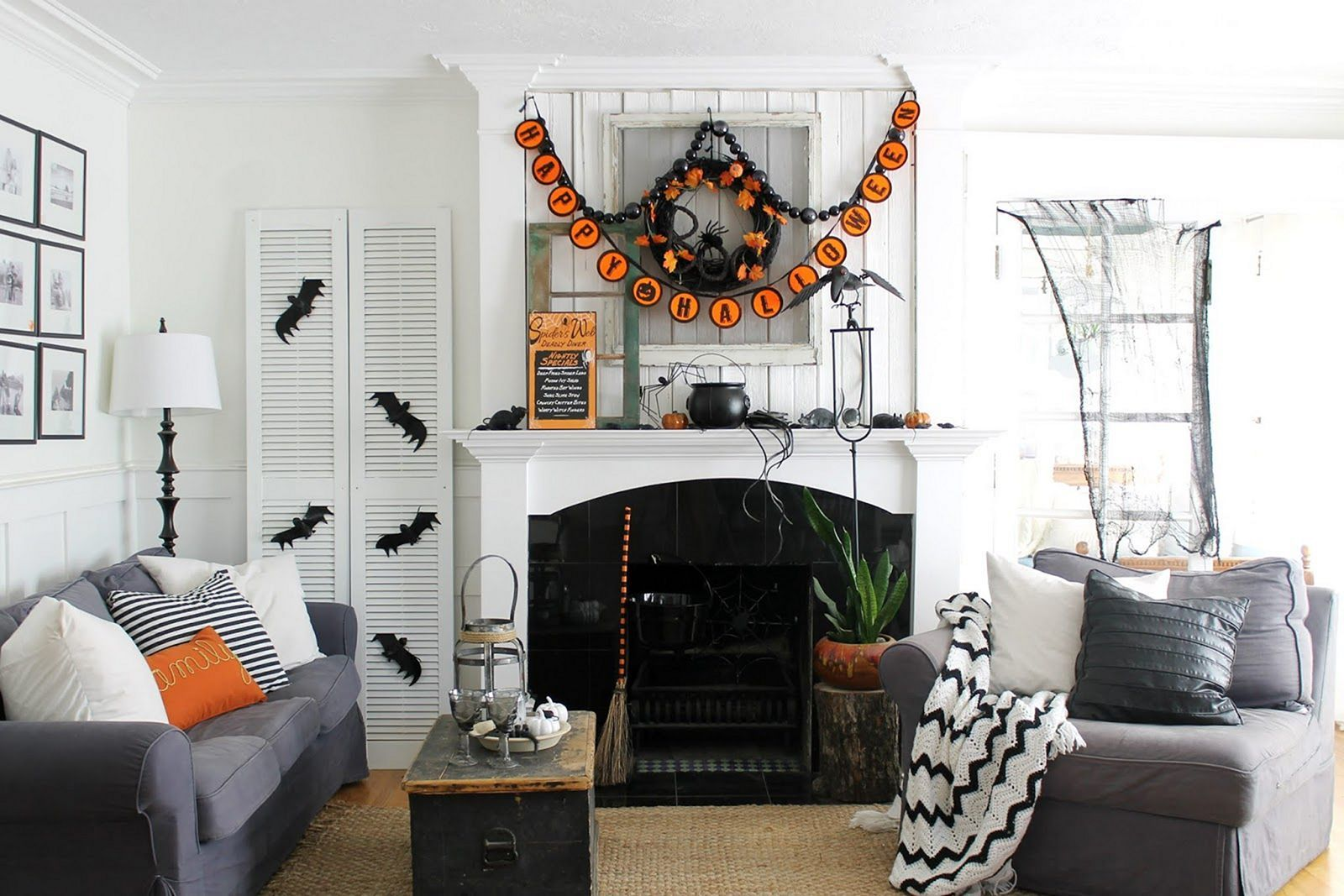 17 Easy And Simple Diy Living Room Halloween Decoration Ideas Halloween Living Room Living Room Diy Wicker House Living room halloween decorations