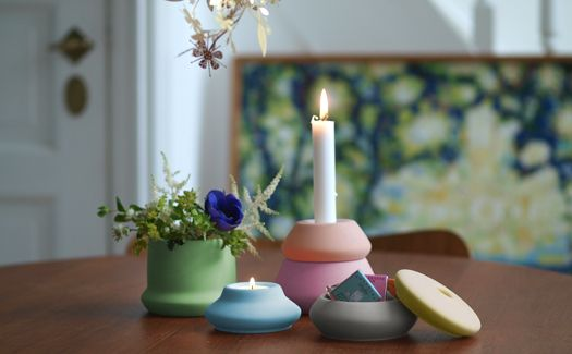 Impilabile is a series of stackable ceramics that can be combined to make: candle holder, vase, bowls, tealights....Josefine Bentzen         user can create his or her own collection of candleholders, tealights, vases and bowls.