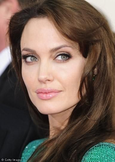 22+ Angelina Jolie Eyes Color Wallpapers