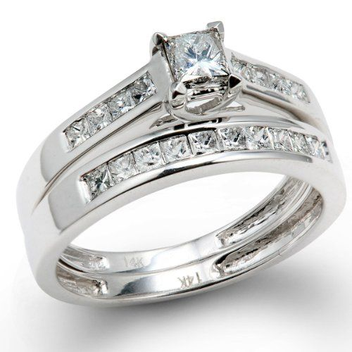 A classic engagement ring is actually very nice , the ring unique and stunning . Your future wife love and invest the rest if the budget at the perfect diamond or diamonds .