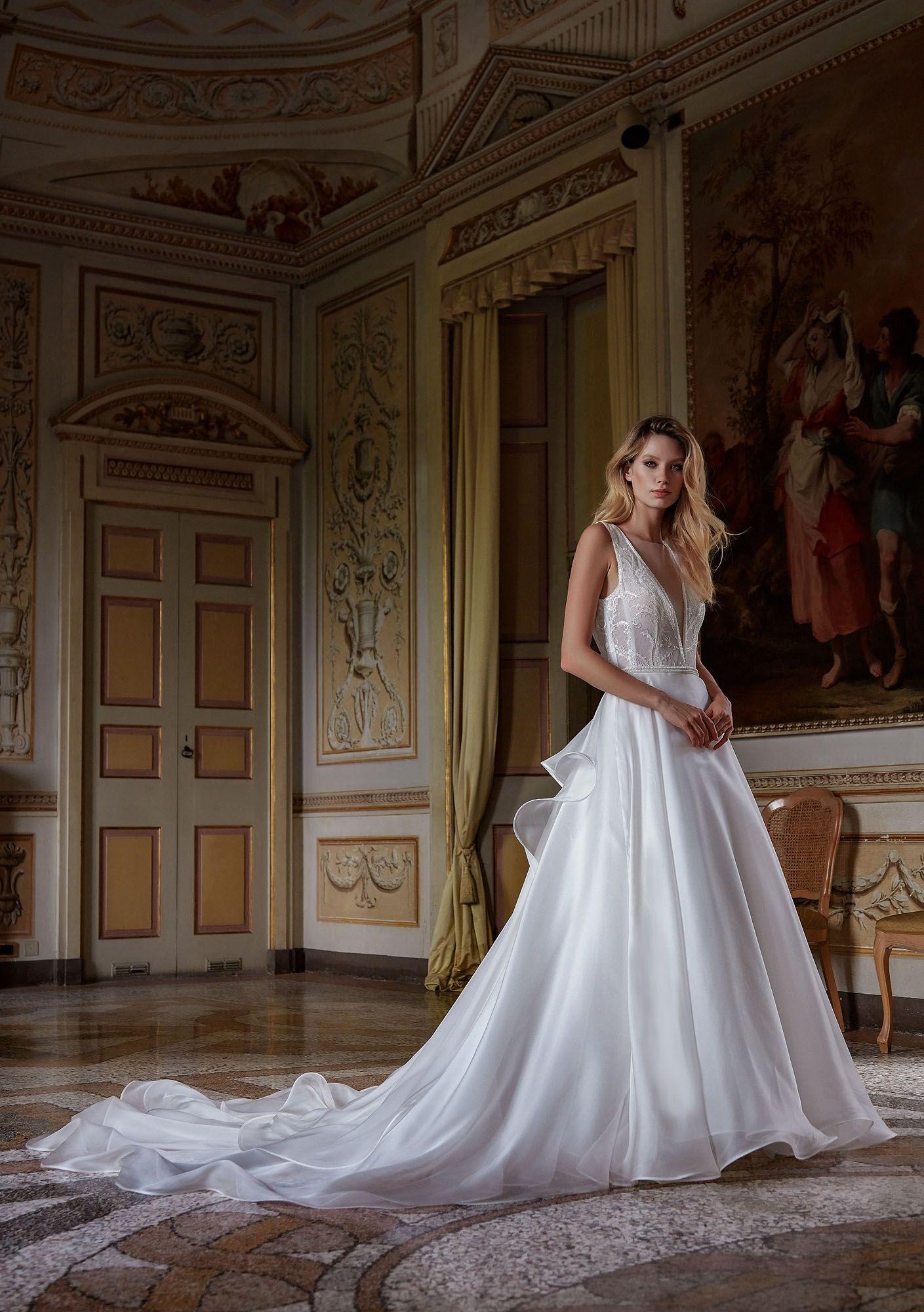 12449c1a9993a MODELLO 1819 Abito da sposa romantico effetto moda in organza di seta pura e  bustino in