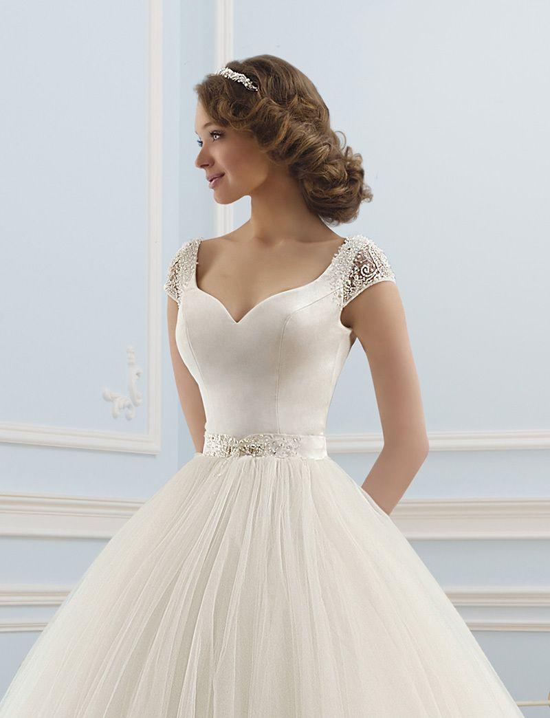 sleeved satin ball gown - Google Search | Ankara style | Pinterest ...