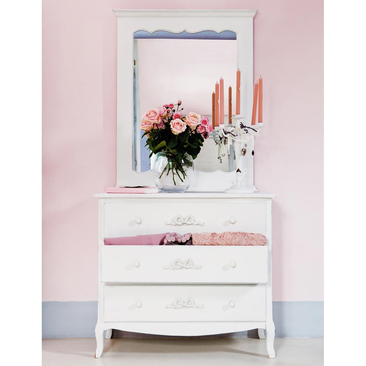 commode blanche ivoire charlotte romantique pinterest. Black Bedroom Furniture Sets. Home Design Ideas