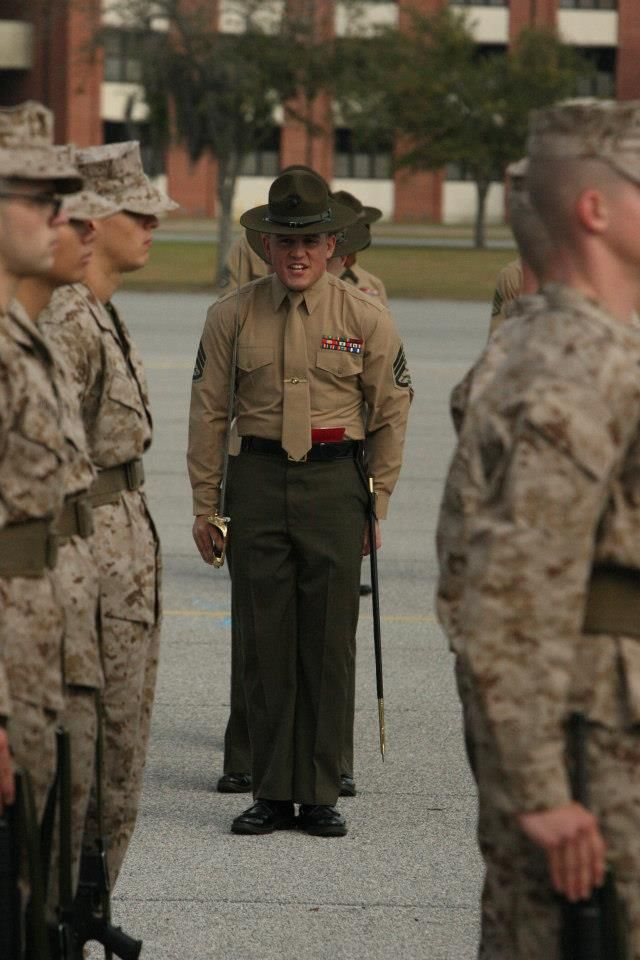 """#Marine #Drill_Instructor """"Gently"""" issuing orders to new recruits"""