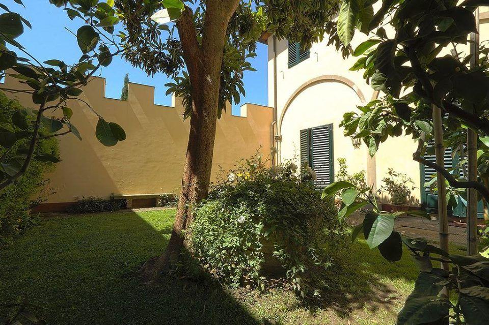 Un'ottima giornata di sole per leggere un buon libro, Villa il Colle Firenze