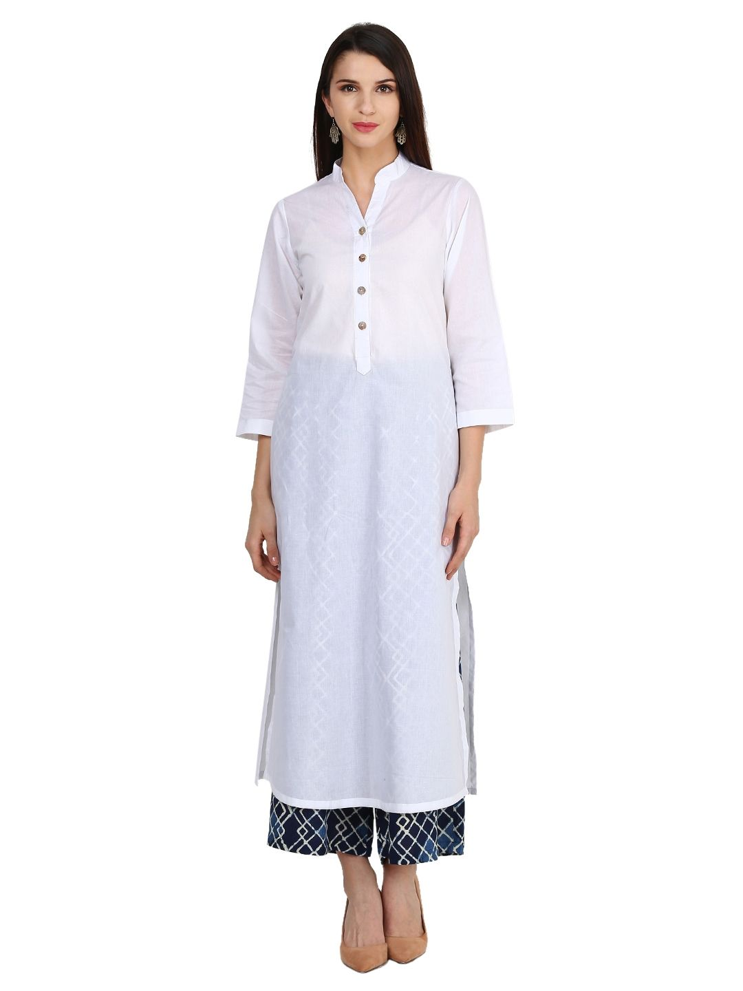 Look like a dream wearing kurta palazzo set from Castle. This off white cotton Kurta pair up with Navy Blue Printed rayon palazzo is perfect Casual wear. Surely fetch you compliments for your rich sense of style.