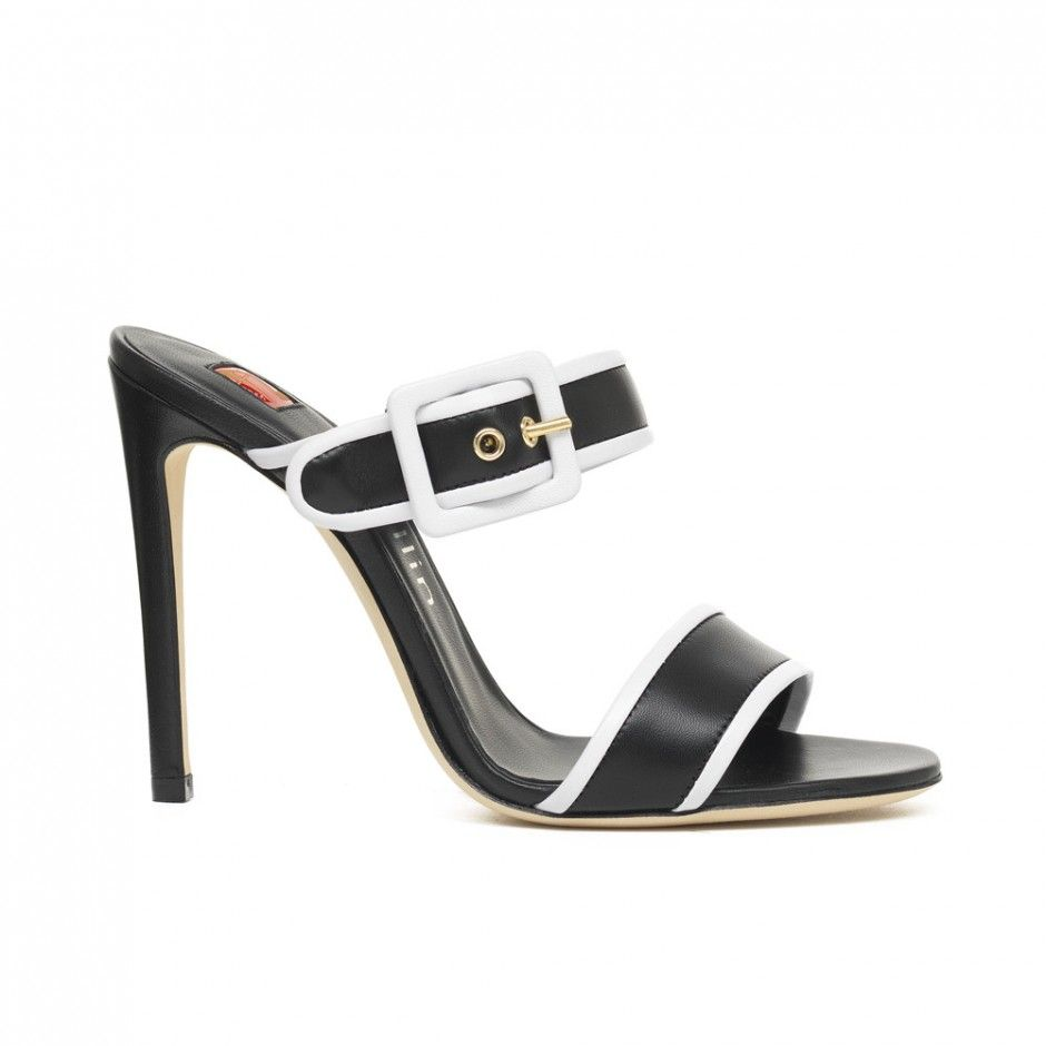 Black and White a classic combination for a magnificent sandal Find Amelia  in store