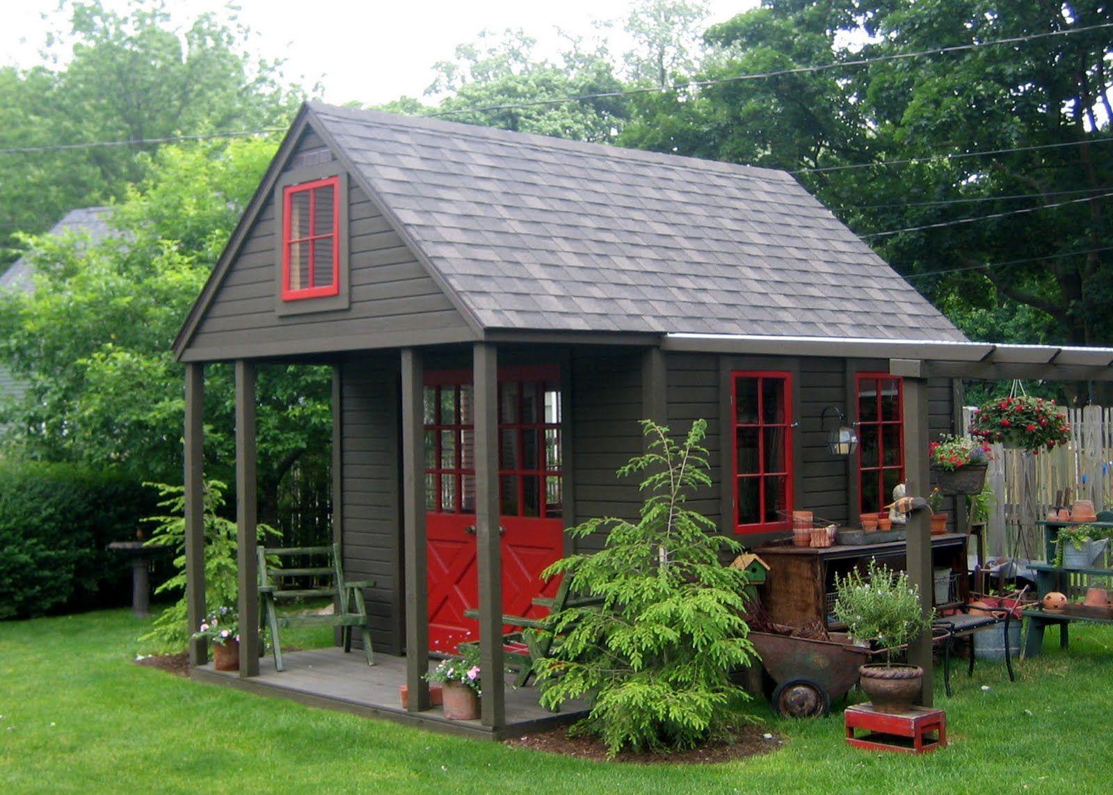 Rouge Et Noire Superbe Quand Les Sapins Auront Grandi Avec Images Amenagement Cour Cabanon De Jardin Cabane Jardin